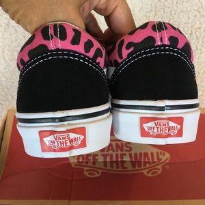 39049baa946 Vans Shoes - NWT Vans Old Skool Leopard Print Shoe W 7